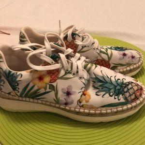 Free People floral tennis shoe